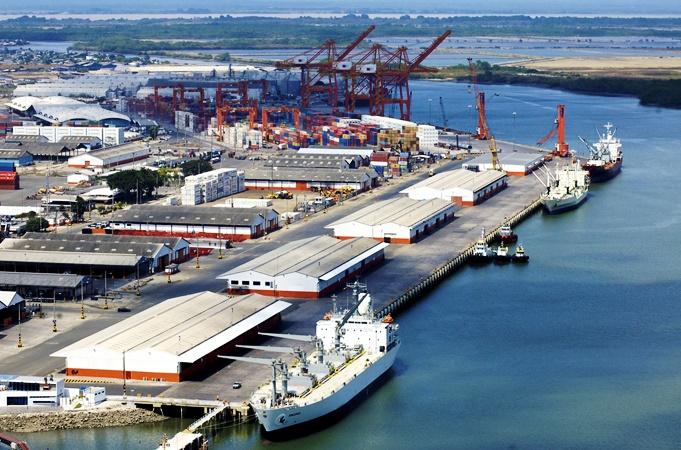 puerto, comercio internacional